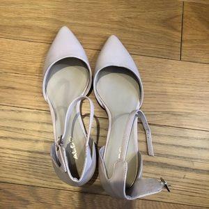 8.5 Aldo low heel